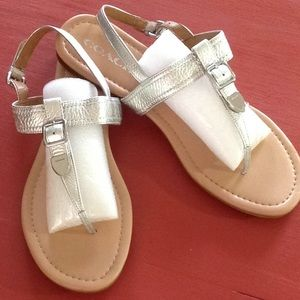 COACH T STRAP CASSIDY SANDAL.